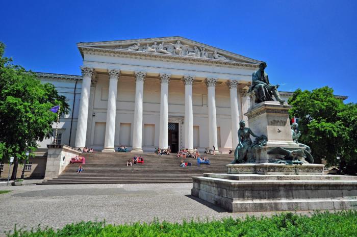 vengerskij-natsionalnyj-muzej-700x465