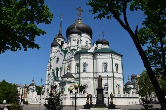 blagoveshhenskij-kafedralnyj-sobor-700x466