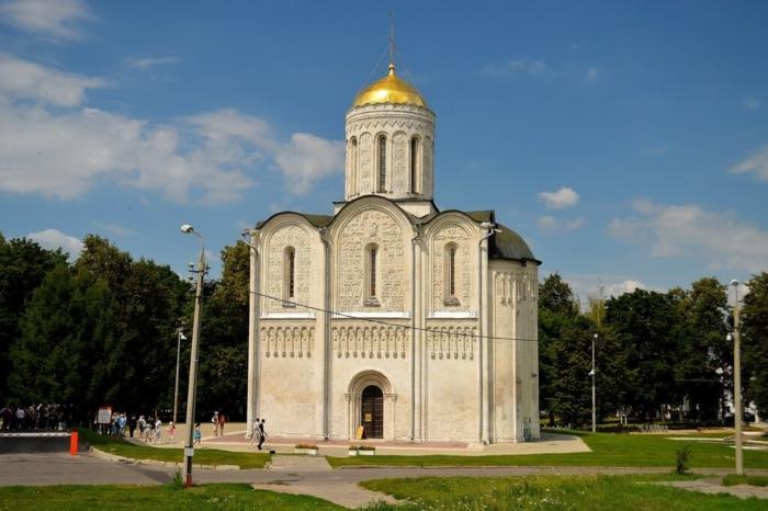dmitrievskij-sobor-700x466