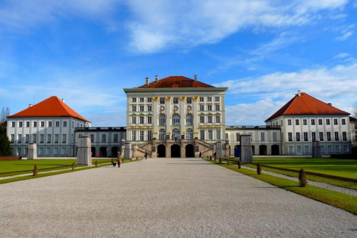 dvorets-nimfenburg-700x467