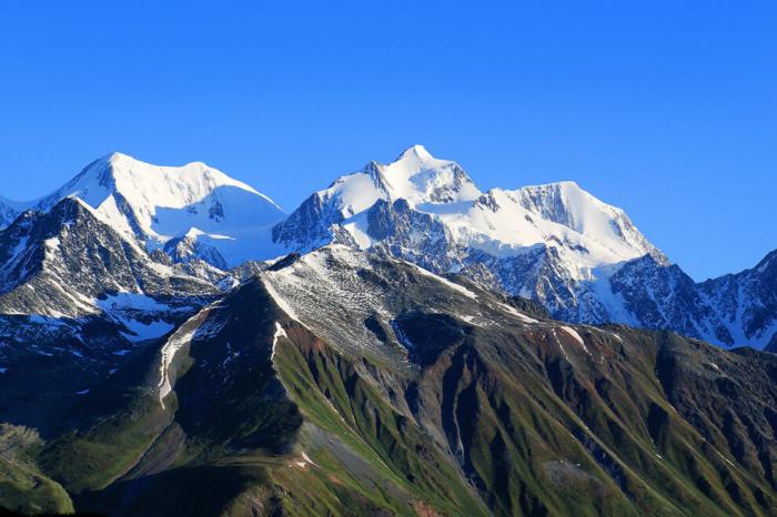 gora-beluha-700x466