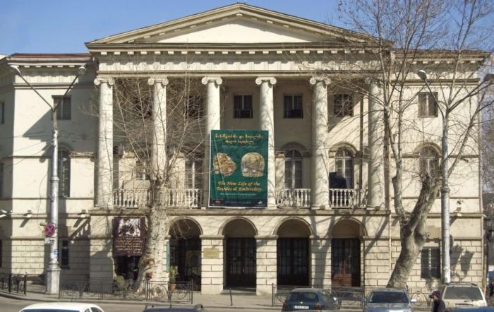 gosudarstvennyj-muzej-iskusstv-gruzii-700x442