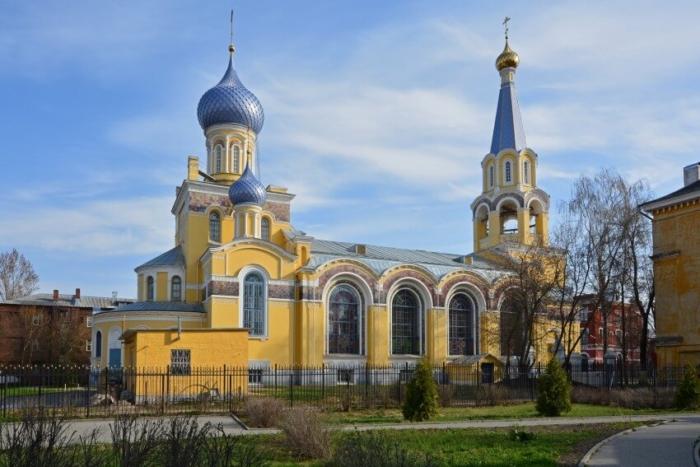 hram-andreya-kritskogo-700x467