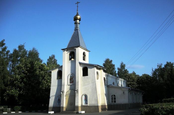 hram-korsunskoj-ikony-bozhiej-materi-700x465