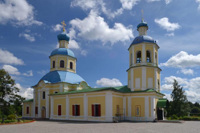 hram-petra-i-pavla-v-yaseneve-700x464