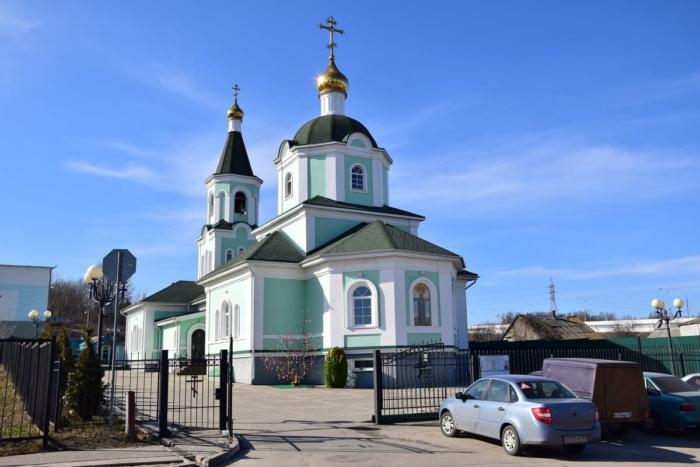 hram-prepodobnogo-sergiya-radonezhskogo-1-700x467
