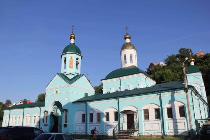 hram-svyatitelya-mitrofana-voronezhskogo-700x467