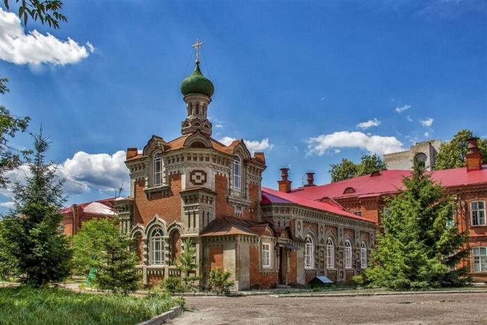 hram-svyatitelya-varsonofiya-kazanskogo-700x467