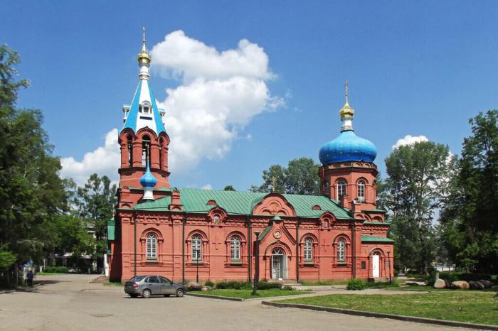 hram-svyatogo-aleksandra-nevskogo-700x466