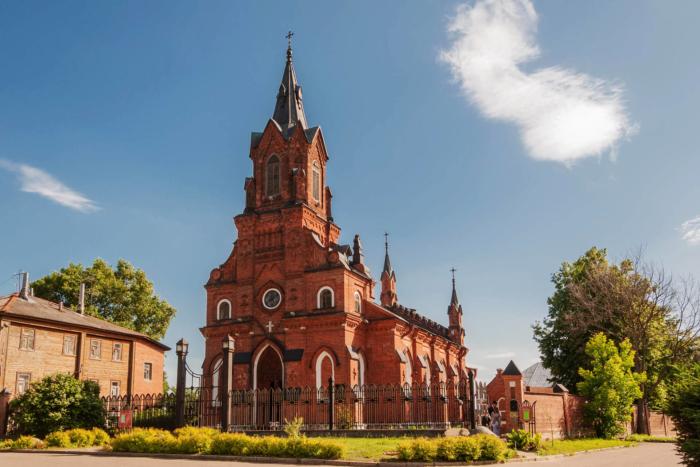 hram-svyatogo-rozariya-700x467