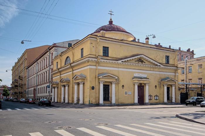 hram-svyatogo-stanislava-700x466