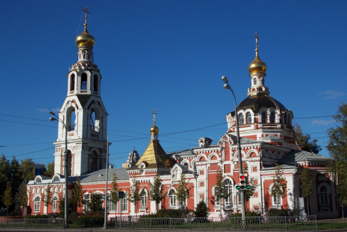 hram-svyatoj-velikomuchenitsy-varvary-700x467