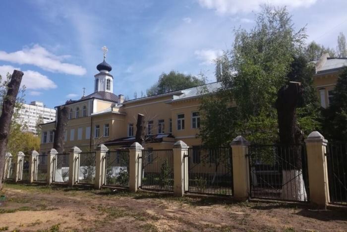 hram-vo-imya-svyatyh-ravnoapostolnyh-mefodiya-i-kirilla-700x468