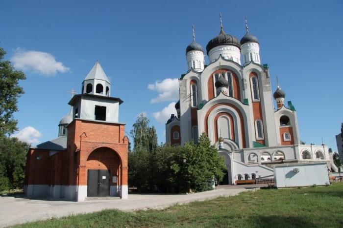hram-vo-imya-vseh-svyatyh-700x467