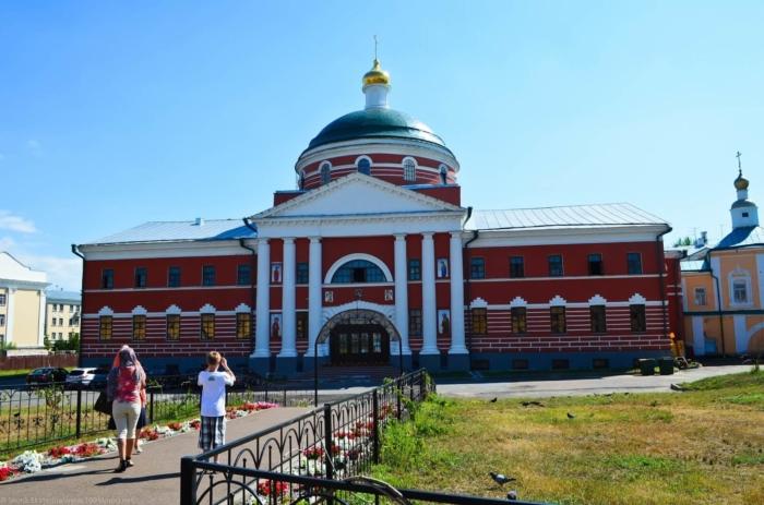 krestovozdvizhenskaya-tserkov-700x463