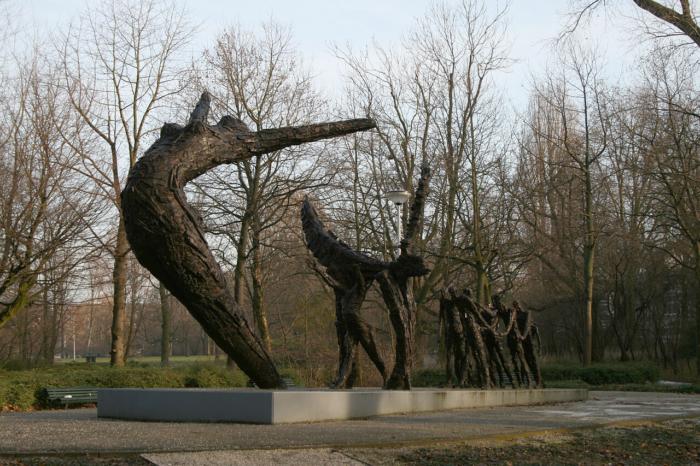 memorial-zhertvam-rabstva-700x466
