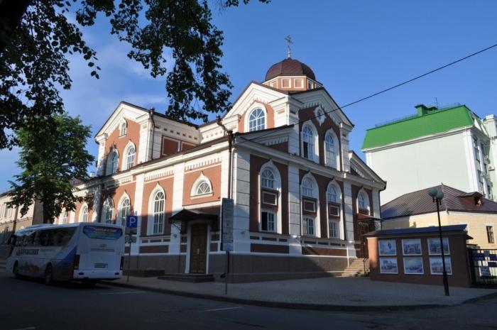 molodezhnyj-hram-sergiya-radonezhskogo-700x465