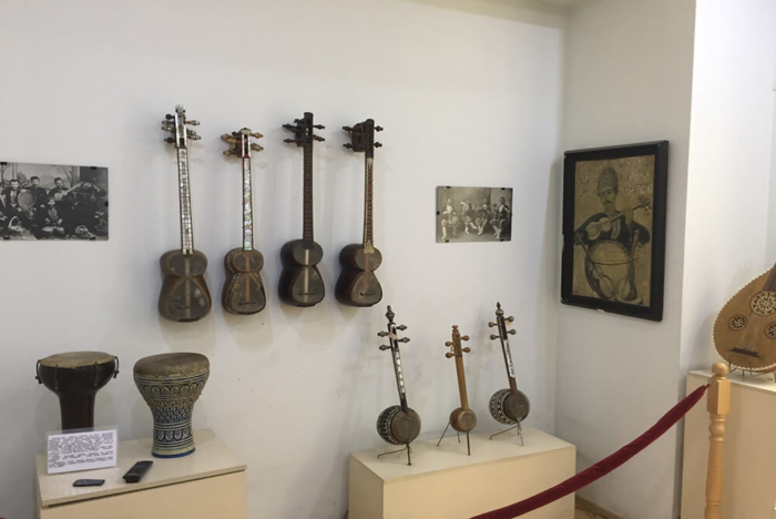 muzej-gruzinskoj-narodnoj-muzyki-i-muzykalnyh-instrumentov-700x468