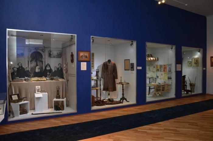 muzej-literatury-i-iskusstva-im-egishe-charentsa-700x466