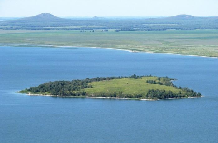 ostrov-ozera-imantau-kazachii--700x461