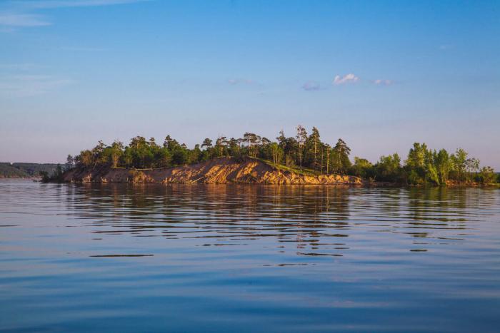 ostrov-paltsinskii--700x467