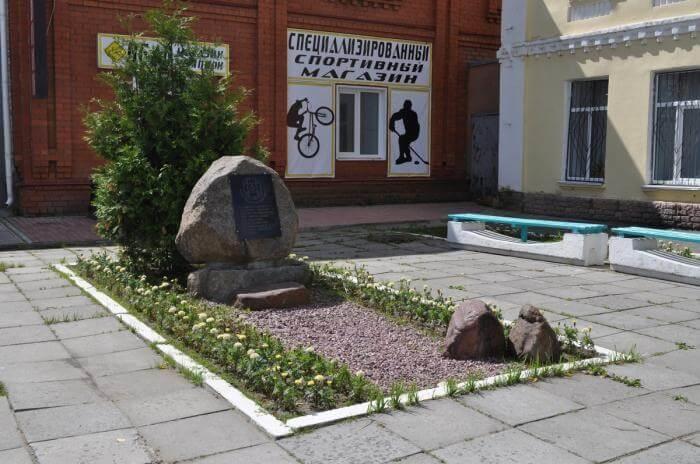 pamyatnik-likvidatoram-avarii-na-chernobylskoj-aes-700x464