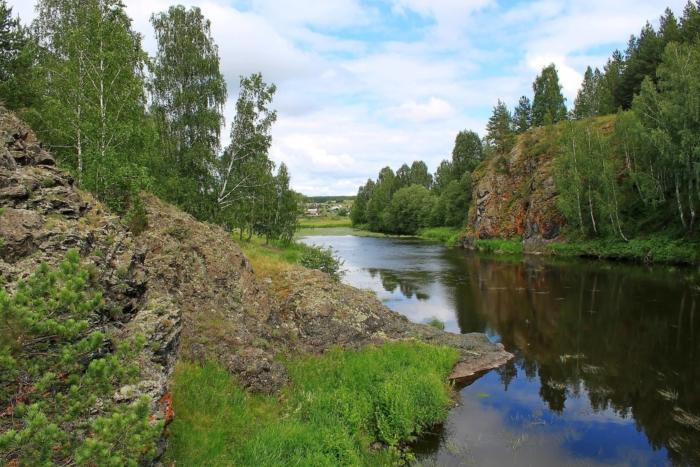 reka-kamyshenka-700x467