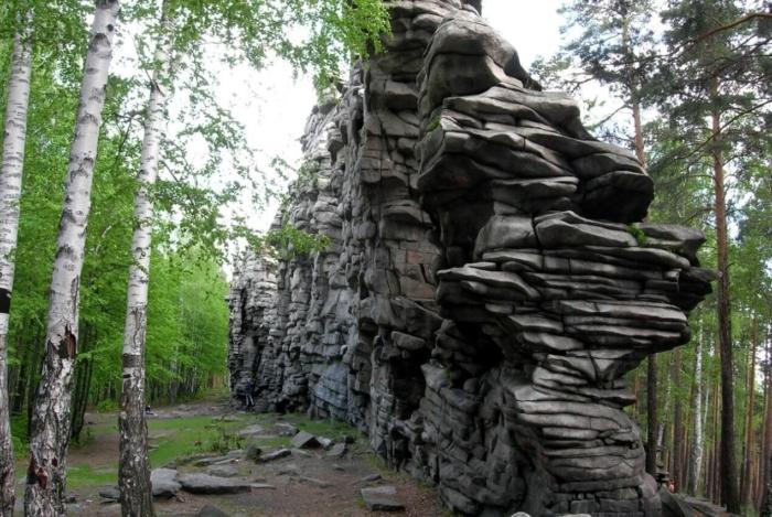 skaly-che-rtovo-gorodishhe-700x469