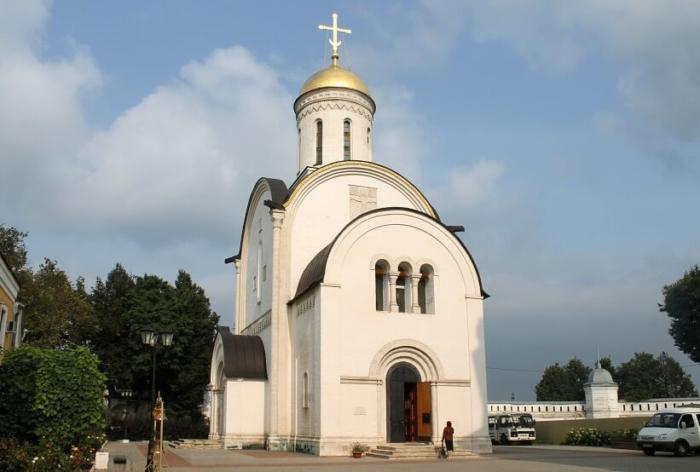 sobor-rozhdestva-bogoroditsy-700x472