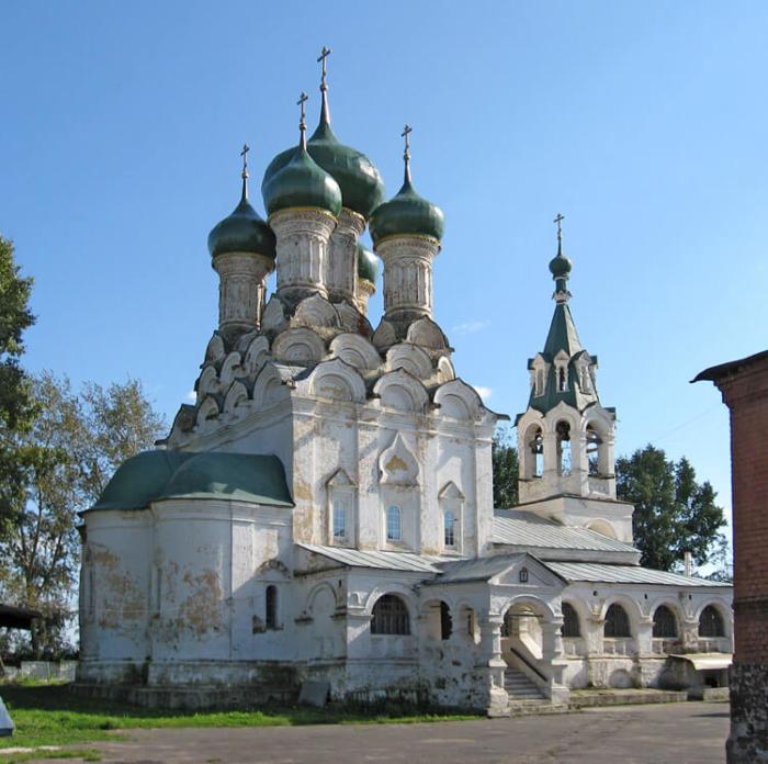 staroobryadcheskaya-tserkov-uspeniya-bogoroditsy-700x696