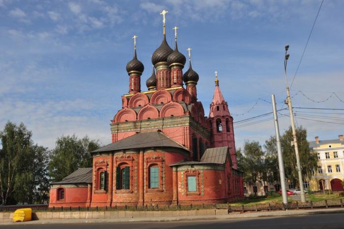 tserkov-bogoyavleniya-700x467