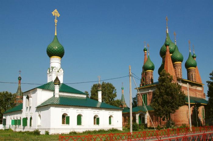 tserkov-ikony-bozhiej-materi-tihvinskaya-i-tserkov-nikoly-mokrogo1-700x466