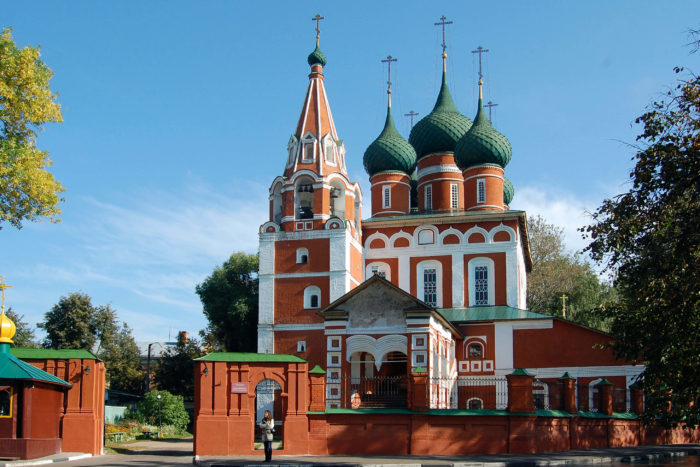 tserkov-mihaila-arhangela1-700x467