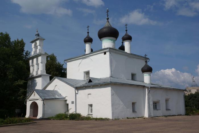 tserkov-nikoly-yavlennogo-ot-torga-700x467