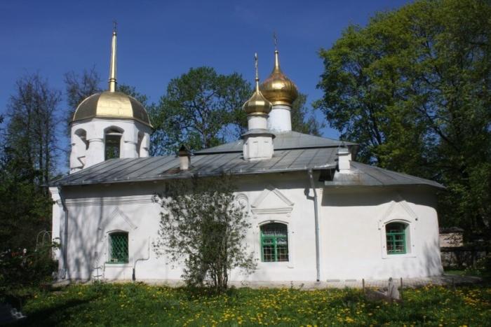 tserkov-prepodobnogo-alekseya-700x467