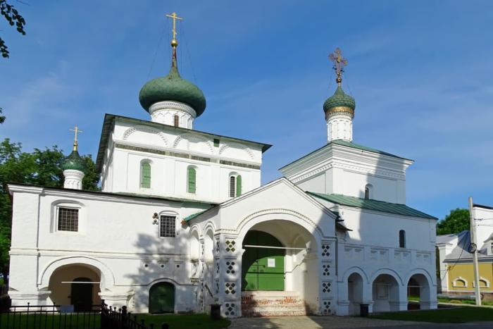 tserkov-rozhdestva-hristova-700x467