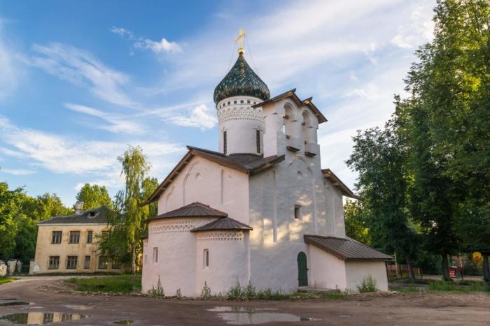 tserkov-sergiya-s-zaluzhya-700x467