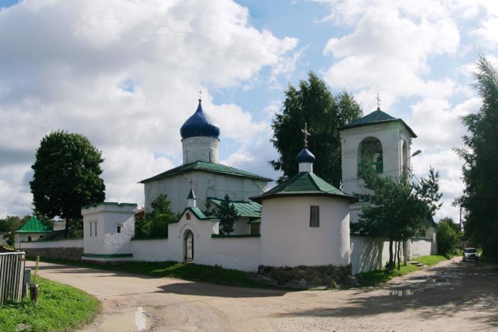 tserkov-svyatyh-ravnoapostolnyh-konstantina-i-eleny-700x467