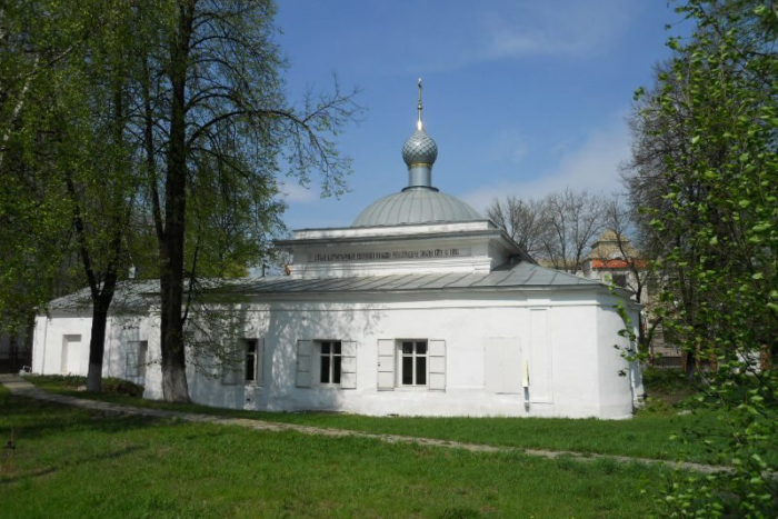 tserkov-velikomuchenitsy-paraskevy-pyatnitsy-700x467