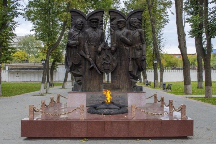 uchastnikam-geroicheskoj-oborony-goroda-tuly-osenyu-zimoj-1941-goda-700x466