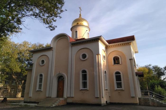 hram-andreya-pervozvannogo-2-700x466
