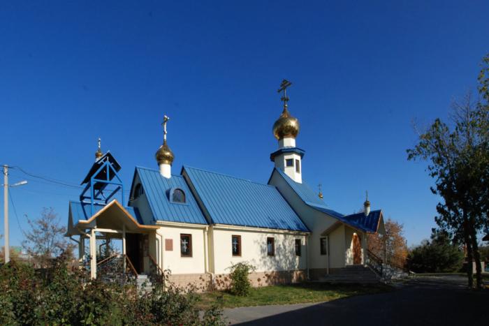 hram-bogoyavleniya-700x467