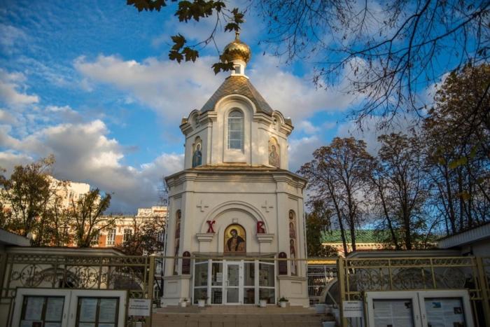 hram-chasovnya-aleksandra-nevskogo-1-700x467