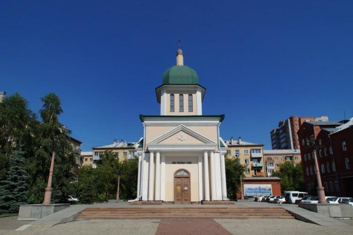 hram-chasovnya-velikomuchenika-dimitriya-solunskogo-700x467