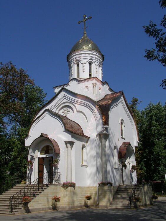 hram-dmitriya-donskogo