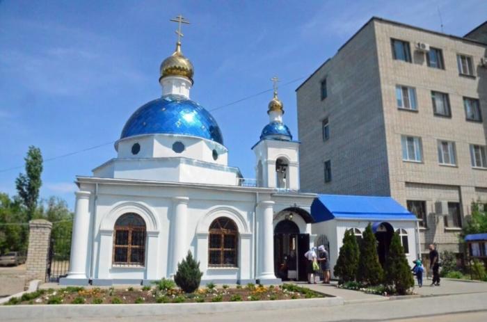 hram-ikony-bozhiej-materi-nechayannaya-radost-700x463