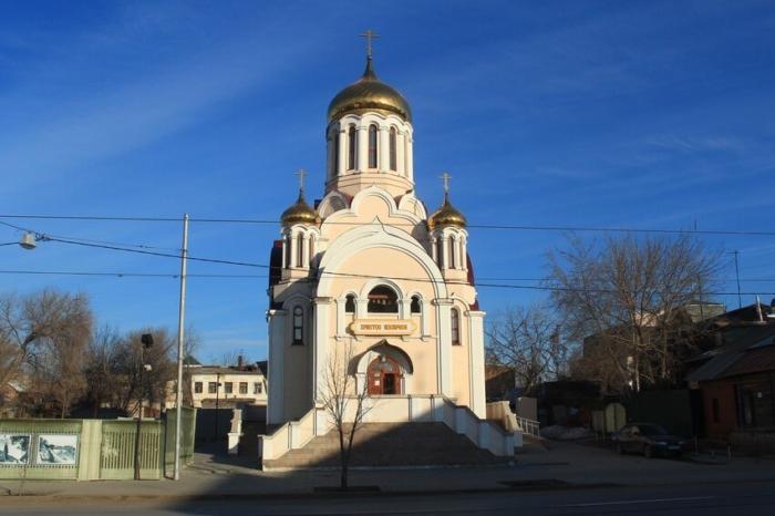 hram-ikony-derzhavnaya-700x466