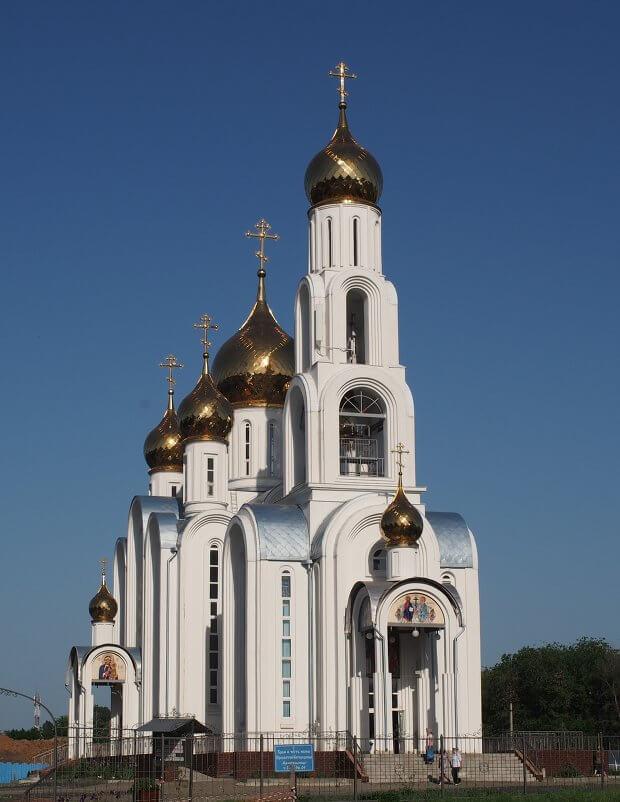hram-ikony-tselitelnitsa