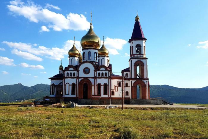 hram-novomuchenikov-i-ispovednikov-rossijskih-700x467