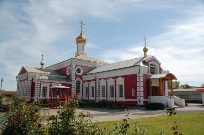 hram-paraskevy-pyatnitsy-700x464